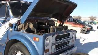 Cold start of the smokin' 283 Chevy dump truck // cold starts at Enid part 2
