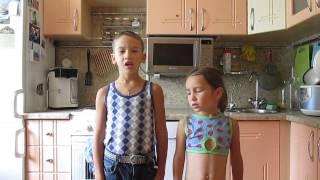 """Дети поют песню из кинофильма """"Приключения электроника"""""""