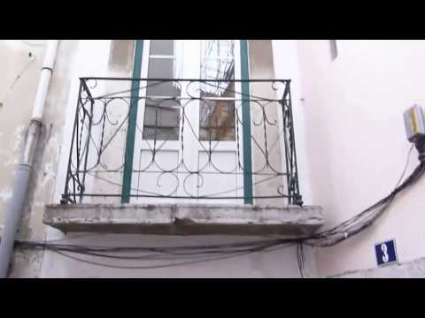 Penthouse with french balcony and solar panel in the heart of old Lisbon