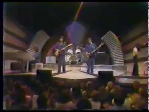 Hamilton, Joe Frank & Reynolds on The Midnight Special (1976)