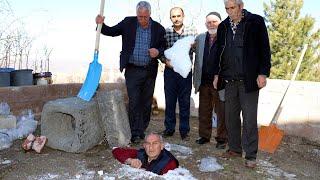 Kayseri'de yazın buz gibi su içebilmek için kuyular karla dolduruldu