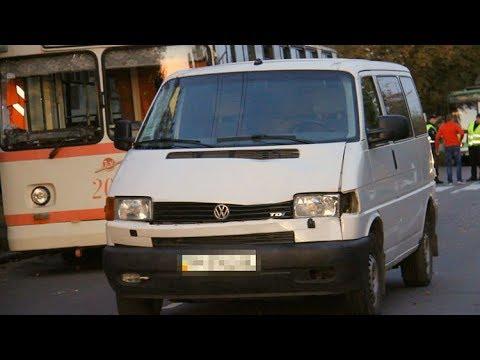 Водитель микроавтобуса «Volkswagen Т4» сбил трех мальчиков на пешеходном переходе в Житомире