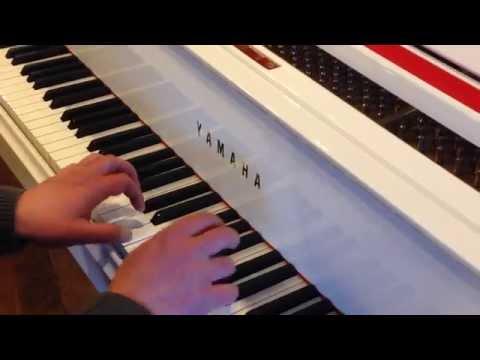 PIANO A QUEUE YAMAHA C3 Blanc Brillant / Série Conservatory / Occasion récente ***EML PIANOS***