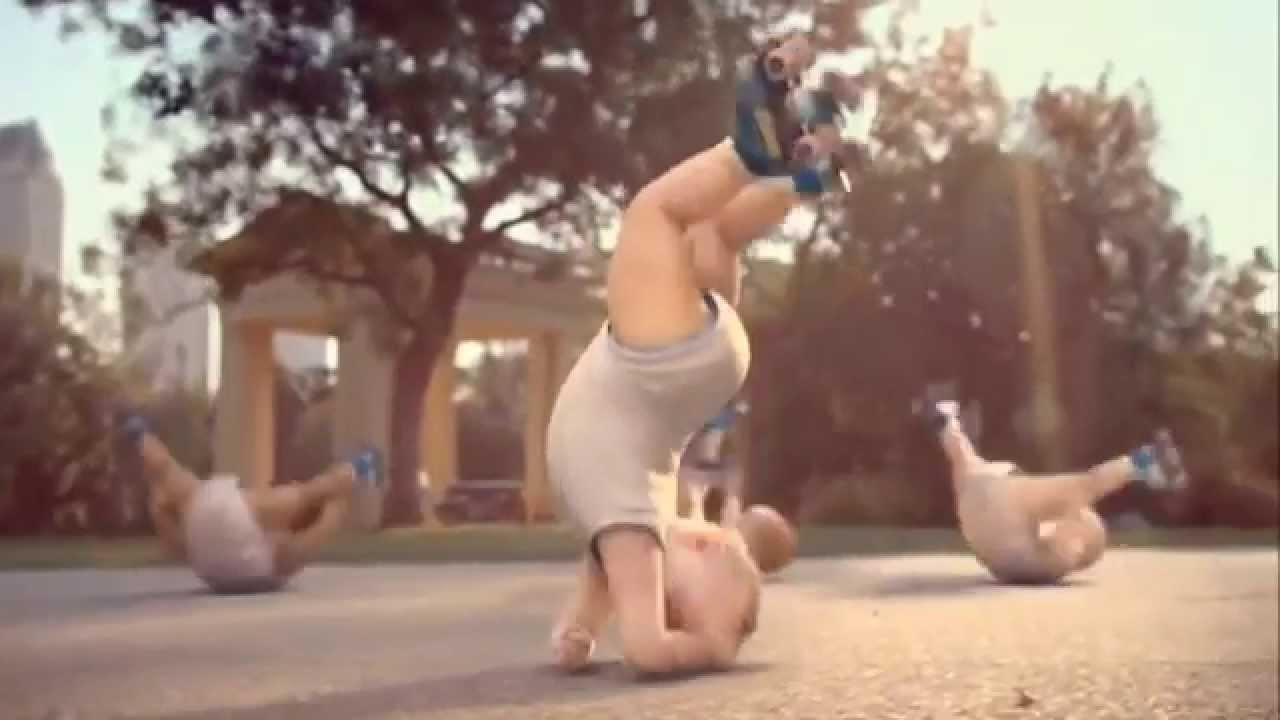 Roller skating babies - Comercial Da Evian Roller Babies