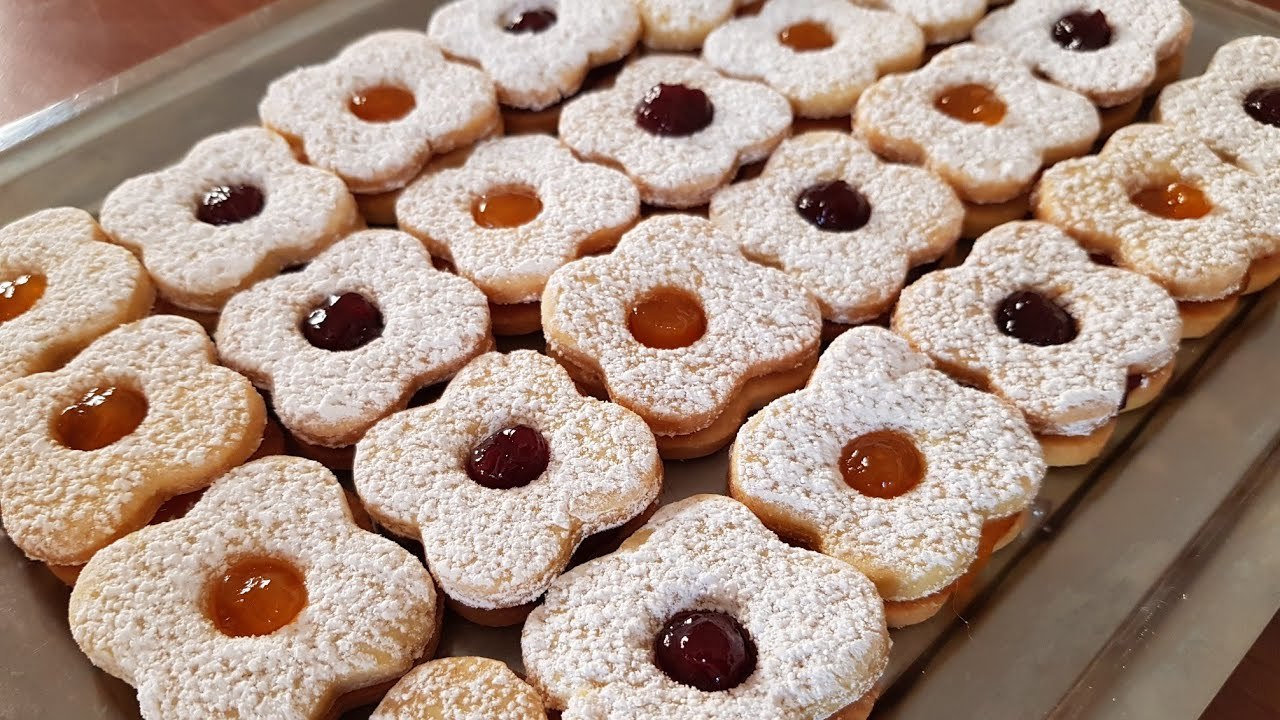 Ricetta Dolci Occhio Di Bue.Biscottini Morbidi Con Confettura Di Frutta Occhi Di Bue Pasta Frolla Montersino Youtube