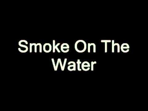 SMOKE  ON THE WATER - DEEP PURPLE | LYRICS