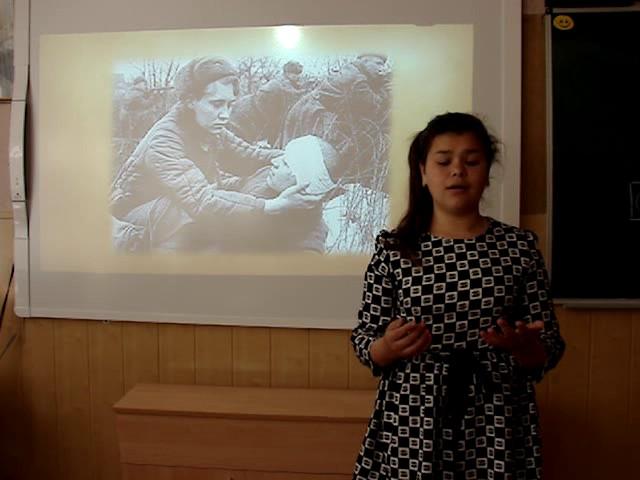 Изображение предпросмотра прочтения – ВероникаСерая читает произведение «Девочка, прошедшая войну» Т.Е.Лавровой