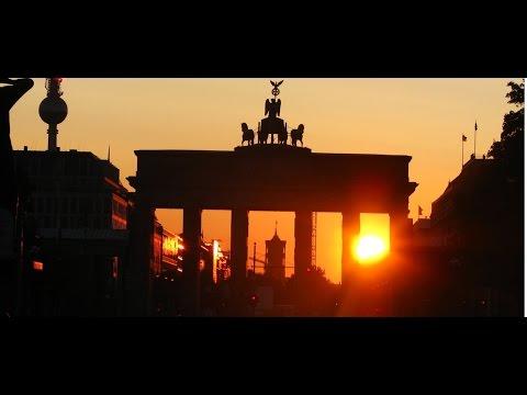 Time Travel: Brandenburg Gate