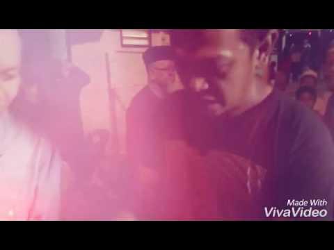 Mr.happy - Sneakers Merah Jambu Slow Motion bersama Amira Aman