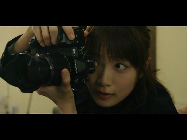 """深川麻衣、""""遺影写真""""カメラマンに 主題歌は安田レイが担当 映画『おもいで写眞』予告映像"""