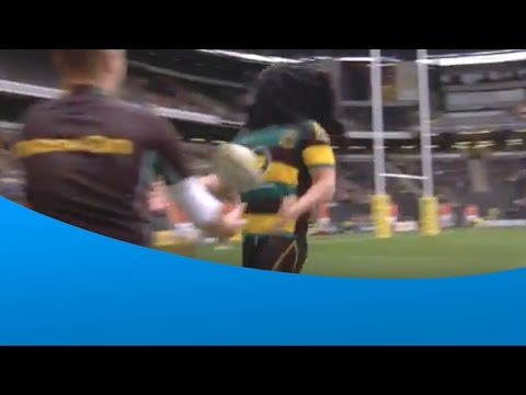 Dylan Hartley taken by surprise by towel