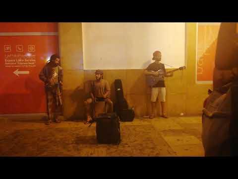 street music - music de la rue rabat- موسيقى لاتينية في شوارع الرباط أجواء رائعة
