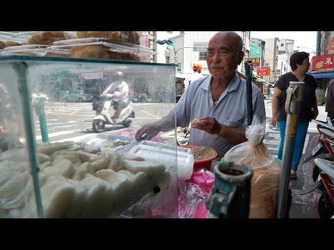 Unheard of Street Food in Taiwan | STRANGE Tainan Street Food Tour - MEDICINAL INTESTINE SOUP