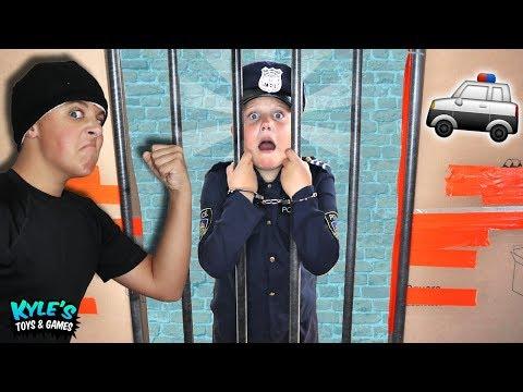 🚓KID COP VS ROBBERS Escape Abandoned BOX FORT Prison!