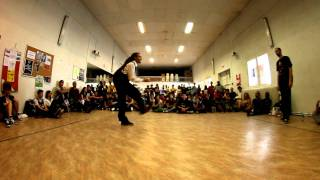 "Battle Popping ""Shake Your Pants 2011"" - Amour Vs Jason - Best 8"
