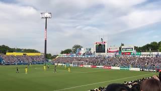 決勝ゴール後の川崎サポの応援です! ラルフはもってますね.