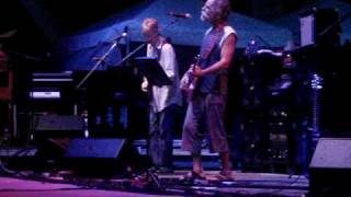 "Furthur performs ""Born Cross Eyed"" in Miami on 2.5.10"