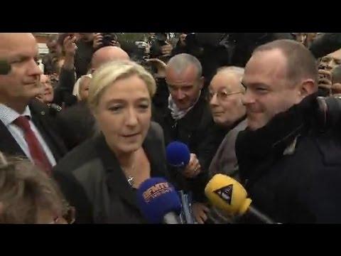 Afflux de migrants: Marine le Pen à Calais