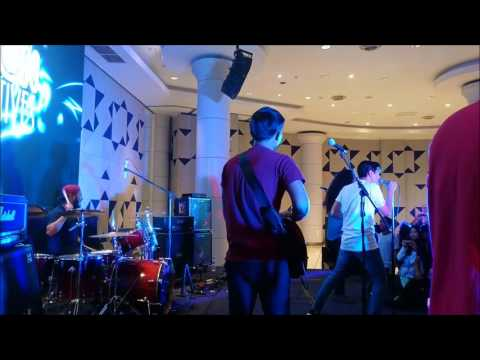 Modescape - Hilang feat Areef Iskandar (Live at IACON 2017)
