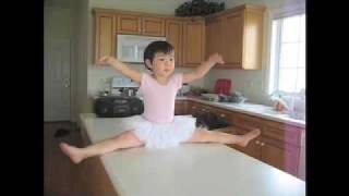 most talented 2 year old dancer ballerina とっても可愛いバレリーナ
