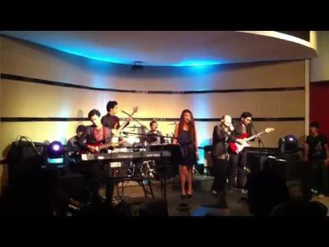 Don't Dream It's Over in Aruba Bar (2013 Jam)