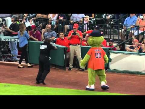 Security guard teaches mascot a lesson - The Daily Star