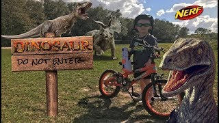 Dinosaur Nerf Battle Attack! Shortcut Through Jurassic World!!