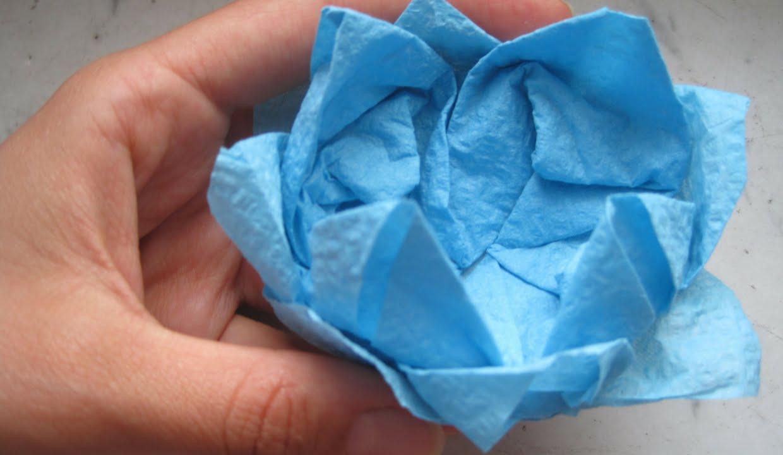 fiore di ninfea da un tovagliolo di carta/how to fold a napkin