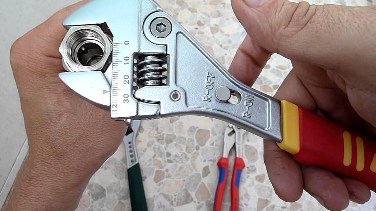 разводной ключ сантехнический фото