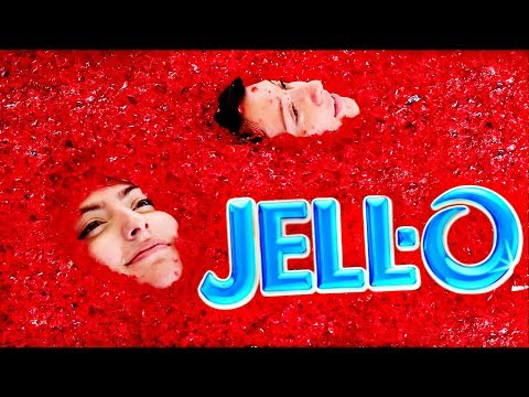 5,000 Pounds Of Jello In Hot Tub!