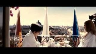 ''Habitación en Roma'' -  Loving Strangers