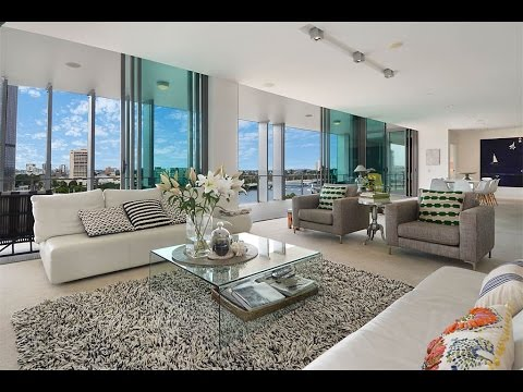 Private Contemporary Penthouse with City Views in  Brisbane,
