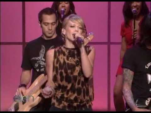 Hilary Duff - Wake Up (Ellen Show Live HD )