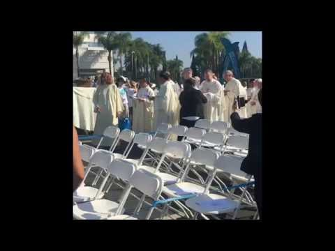 40th Anniversary of the Diocese of Orange - Mass Procession