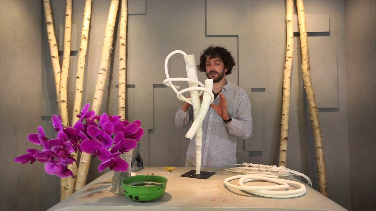 Floral design manual: pim van den akker: 9789089894519: amazon. Com.