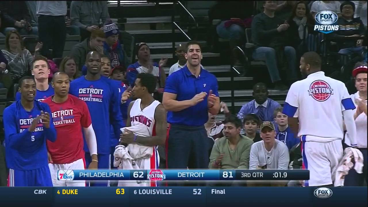 Pistons score 5 points in 3 seconds vs  Sixers