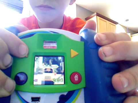 My DISCOVery KIDs camera review - YouTube