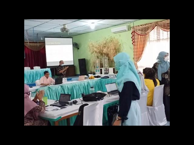 Guru Dibimbing dalam Pengembangan Media Pembelajaran Berbasis ICT pada Tiga Level Representasi