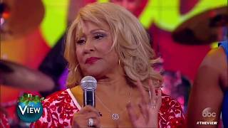 Darlene Love, Fantasia Catch Up With The Ladies | The View