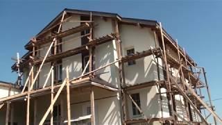 Обучение по технологии мокрый фасад СФТК закончено, рабочие нанесли декоративную штукатурку Ceresit