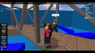 Lets play roblox tig as sharks hiders human Ep 2