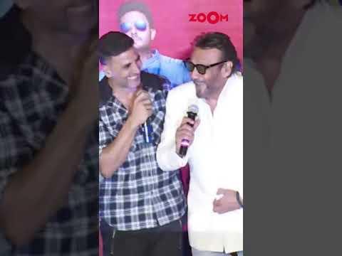 Akshay Kumar and Jackie Shroff's hilarious conversation on stage   #Shorts
