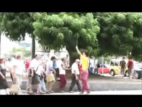 Clown Durilov Barcelona Street Clown performance