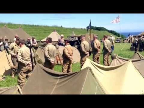 Camp militaire us Dog Green reconstitution inspection militaire a Omaha beach