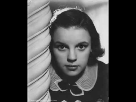 Judy Garland- Stompin' at the Savory(1936)