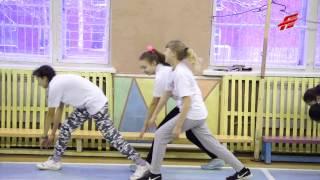 """""""Поднимаем друг другу настроение!"""" Как """"Омские Ястребы"""" провели урок физкультуры в 108 школе"""