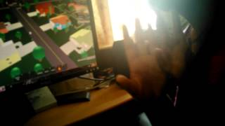 Mon ami jouant sur roblox