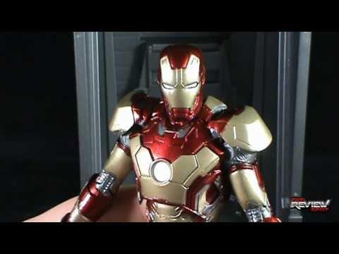 Toy Spot - Diamond Select ToysMarvel Select Iron Man 3Mark 42 Armor