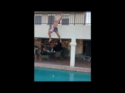 None - OMG! Intenta brincar a piscina de Balcon y cae mal