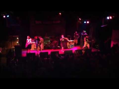 New Found Glory - I Wanna Be Sedated...